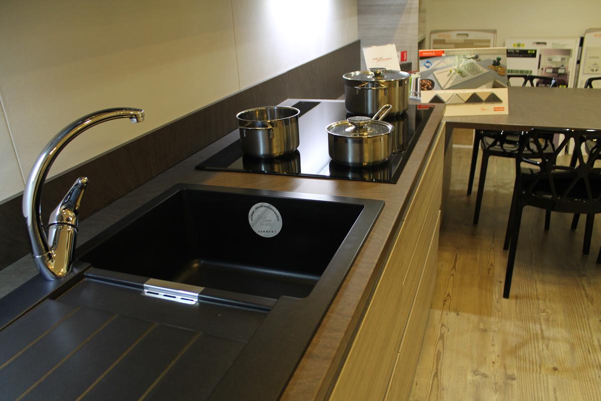 Scavolini modena elegant cucina scavolini modello rainbow for Mondini arredamenti suzzara