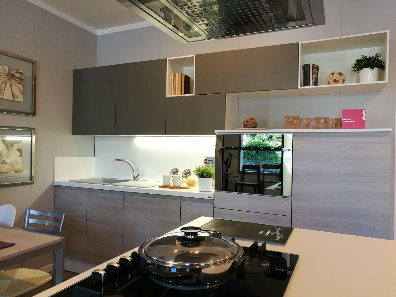 MOTUS Cucina Scavoliniin offerta per arredamento a Modena ...